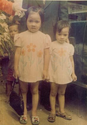 Sisters 01.jpg