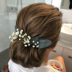 Baby breath wedding up style