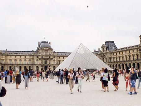 2015.6 パリ・ルーヴル美術館 地下 企画展