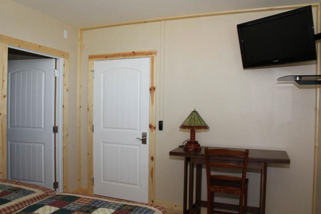 northbedroom_8690.jpeg