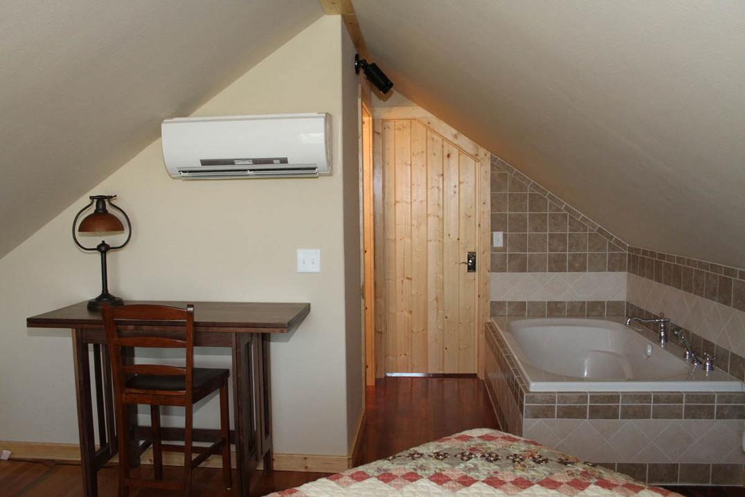 upstairsbedroom_8760_0.jpg