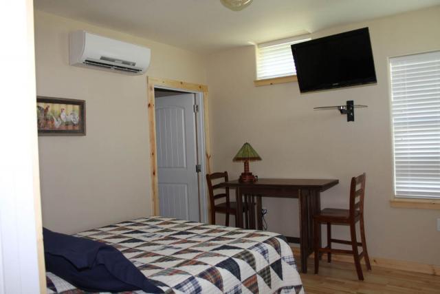southbedroom_8642.jpeg