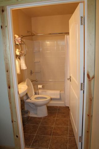 bathrooms_8649.jpeg