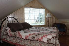upstairsbedroom_8768.jpg