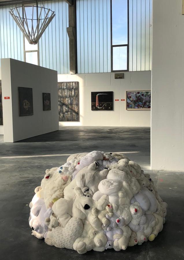 Stofftier-Installation von Nathalie Rey (Mira Barcelona, 2019)
