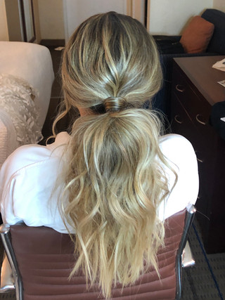 chic ponytail for bride