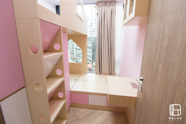 girl upper and lower bed