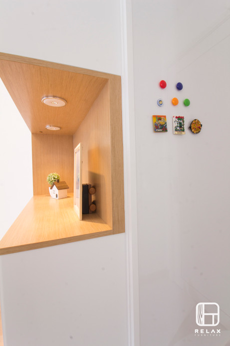 C cabinet with magnet board