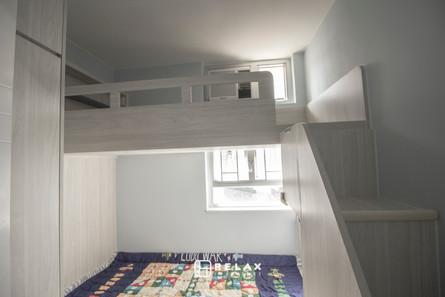upper bed