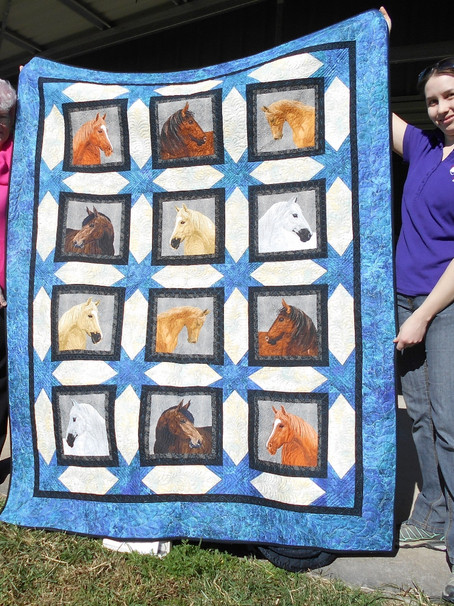 A magnificent quilt to be won!