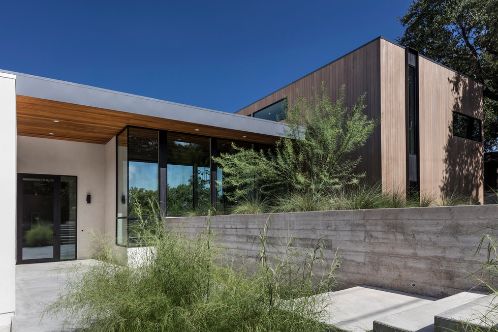 [bracketed space] house