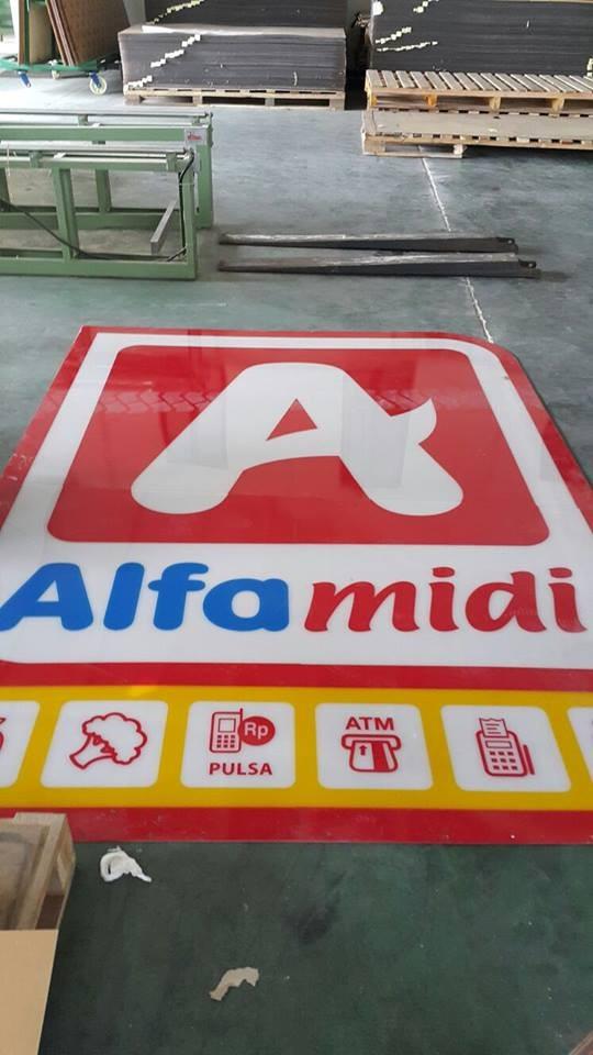 Alfamidi Acrylic Sheet Adiwarna Mika