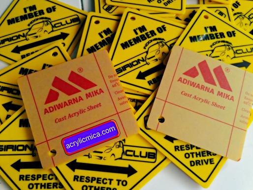 Acrylic Adiwarna Mika Key Chain