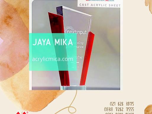 Akrilik Adiwarna Mika adalah akrilik terbaik yang dapat digunakan untuk membuat plakat atau piala