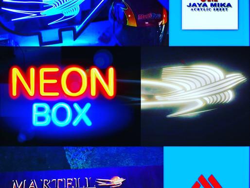 Neon Box di Dunia Reklame