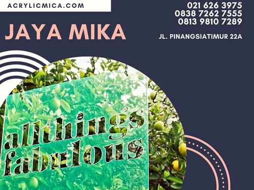 Acrylic Adiwarna Mika warna hijau fluorescent dengan kombinasi laser cut untuk papan nama