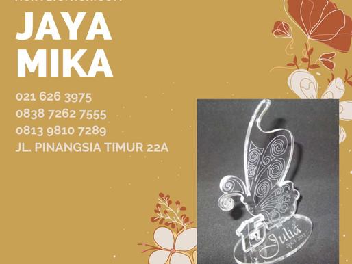 Plakat akrilik bentuk kupu-kupu dari Acrylic Adiwarna Mika