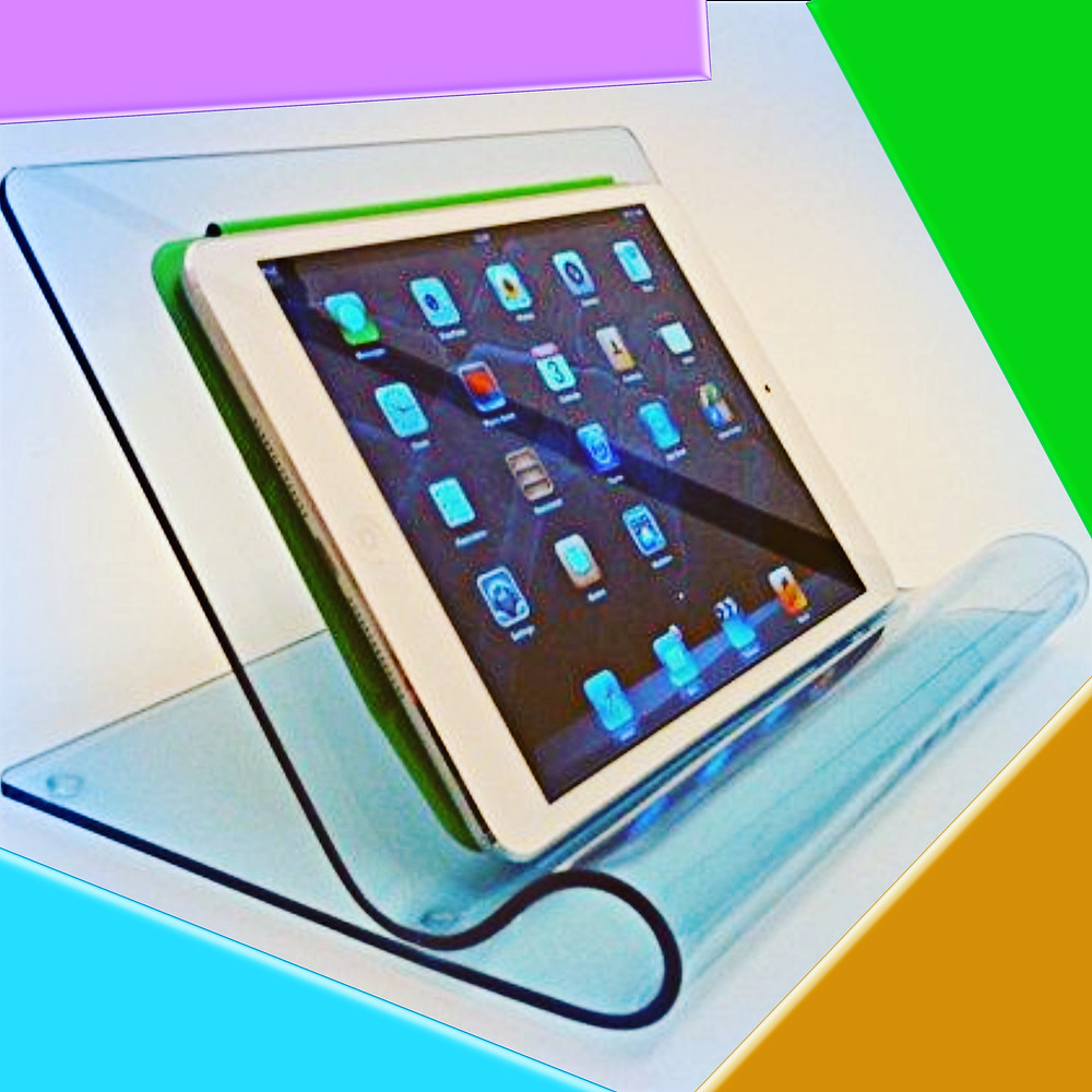 Tempat Gadget dari Acrylic Sheet