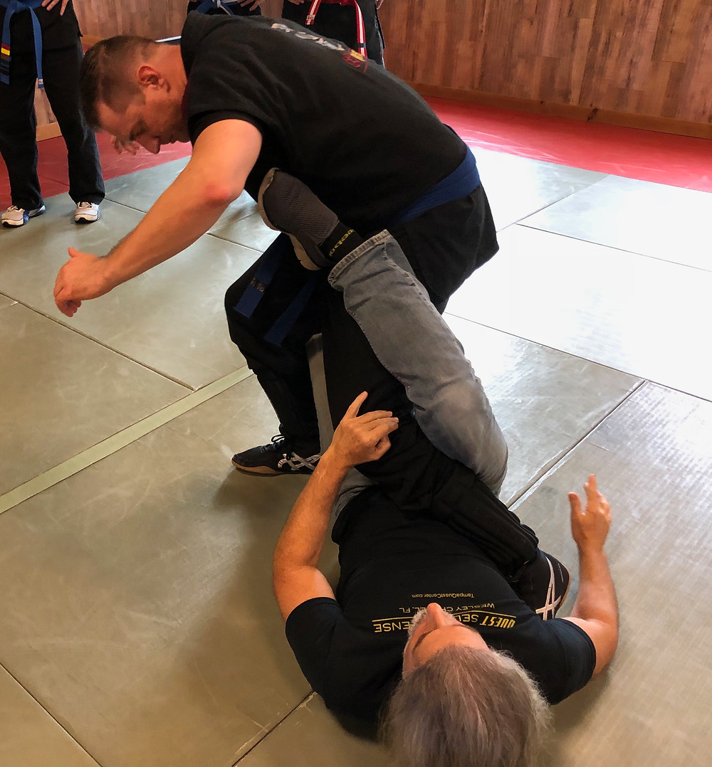 Mark Russo demonstrating the effectiveness of body positioning - Tai Sabaki.