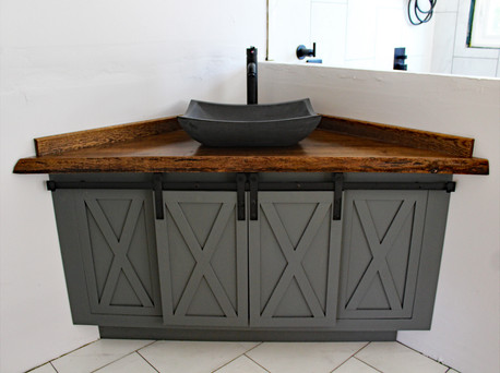 Triangular vanity