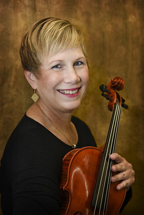 Renee Skerik, viola