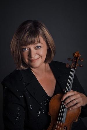 Felicia Moye, violin