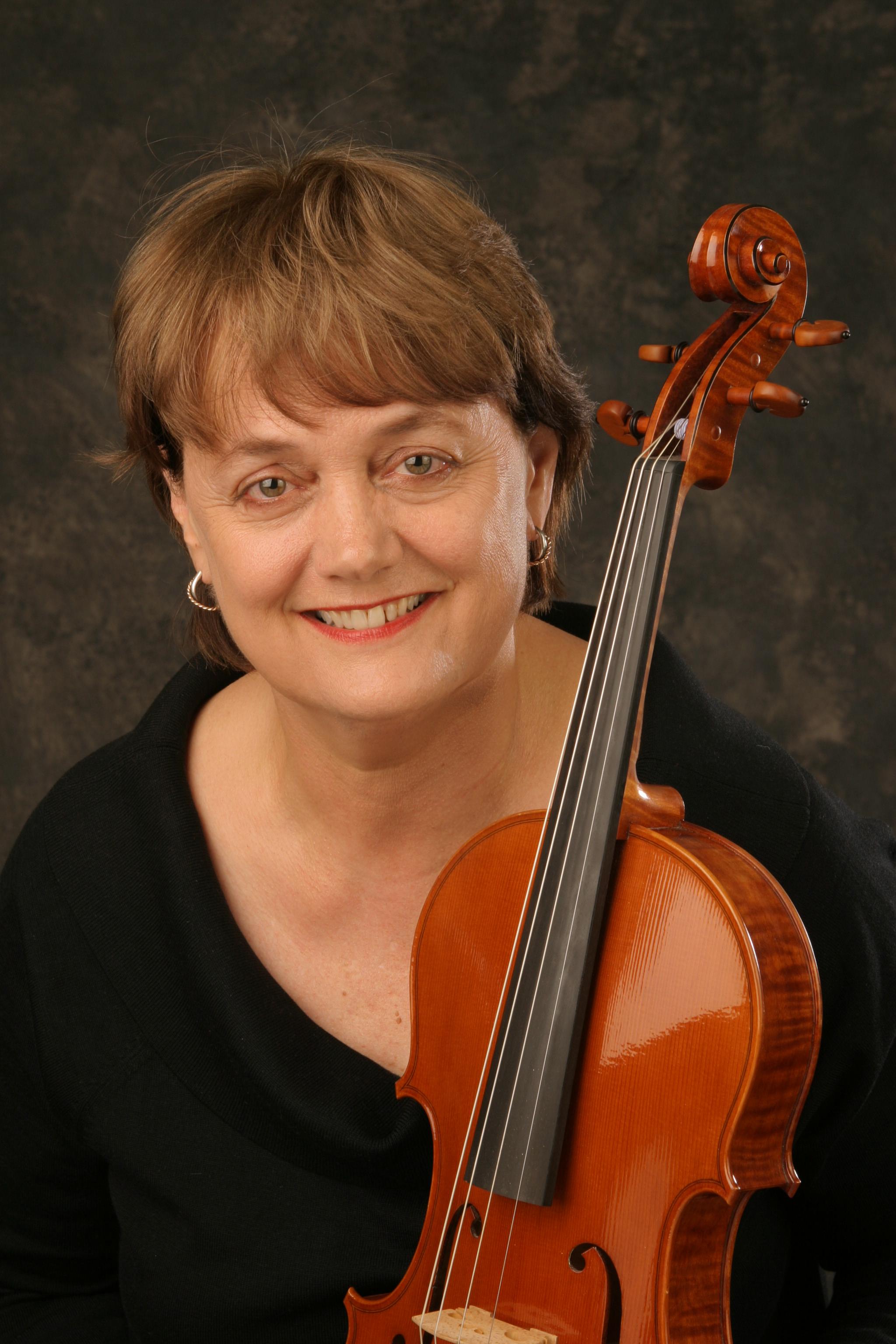 Andrea Een, viola/violin