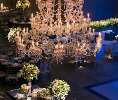 Decoração de Casamento Branco e Azul na Casa Petra por Cristiane Pileggi