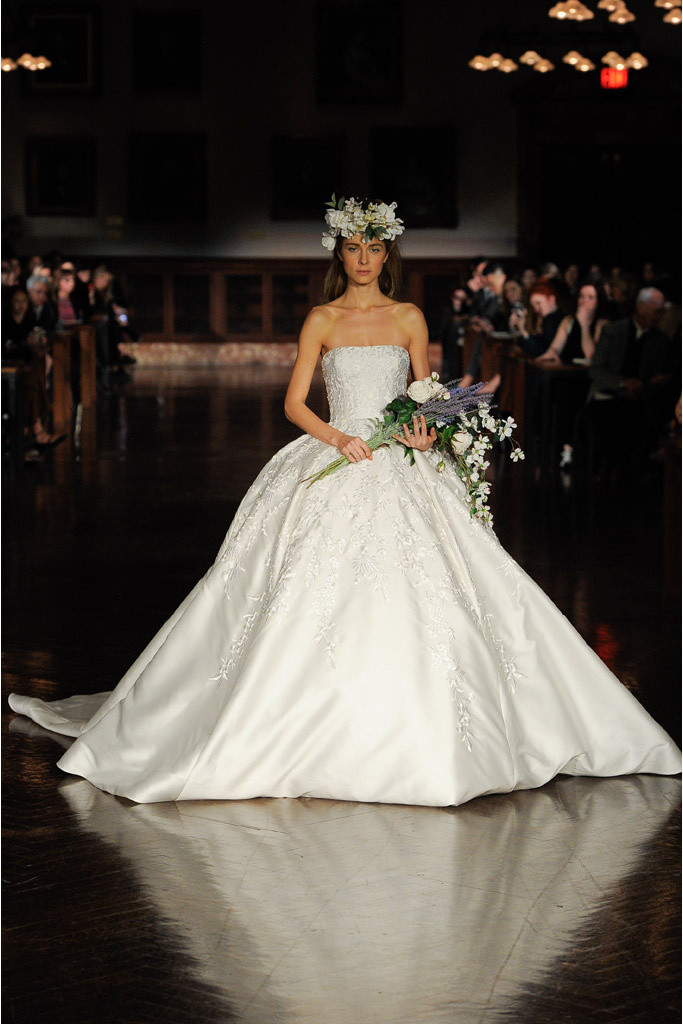 Vestido de Noiva | Reem Acra | Noiva | Casamento  | Blog de Casamento | Moda Noiva |  Desfiles de Vestidos de Noiva
