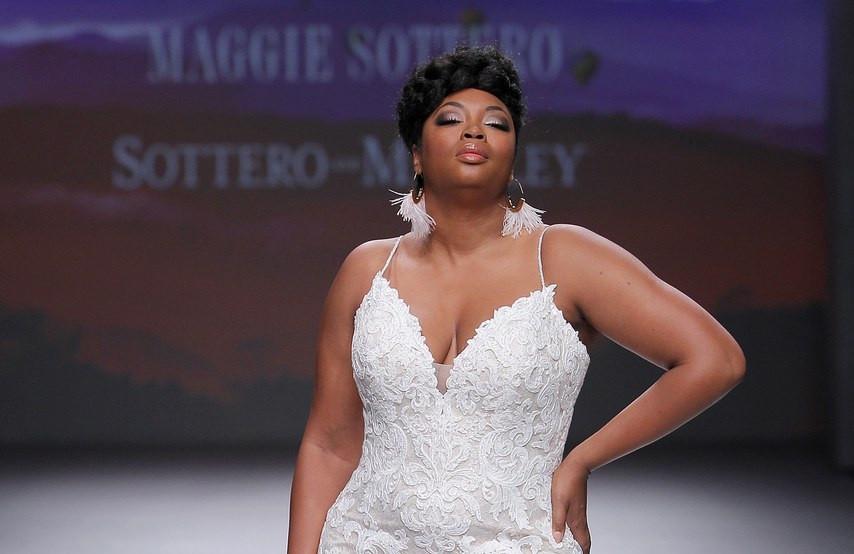 Modelo com vestido Maggie Sottero