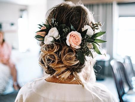Penteados para Noivas com Flores