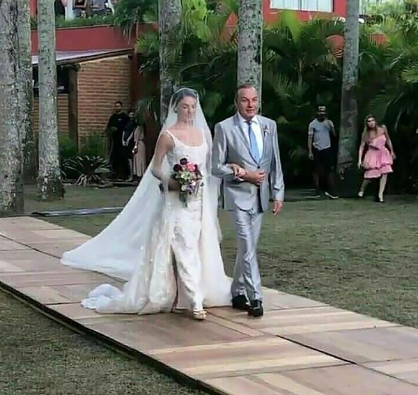 Casamento no Lago Buriti: Isis Valverde e André Resende