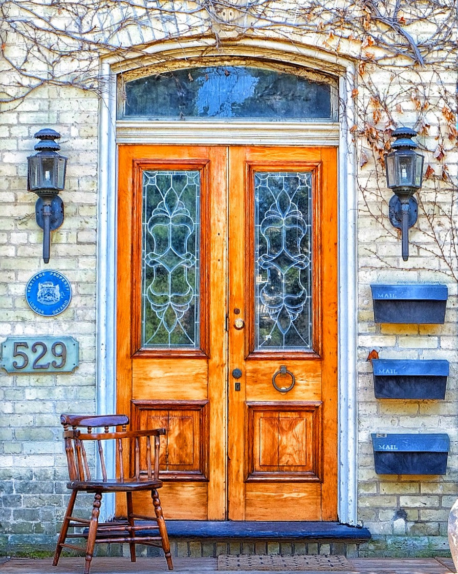 Wouldn't you sit in front of this gorgeous door too?