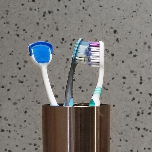 Cross-contamination by toothbrushes