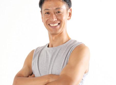 人気ヨガトレーナー浅野氏によるヨガクラススタート!