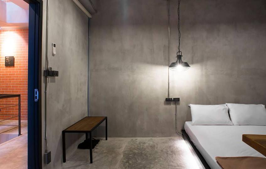 13 Bed Station Hostel
