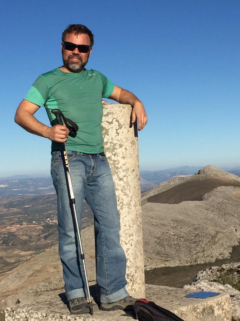 Hiking to the top of La Huma