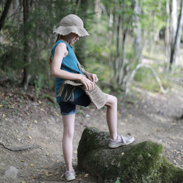 Into the woods. Knitted tunic, crochet hemp hat and crochet hipster handbag for kids. Patterns in store.
