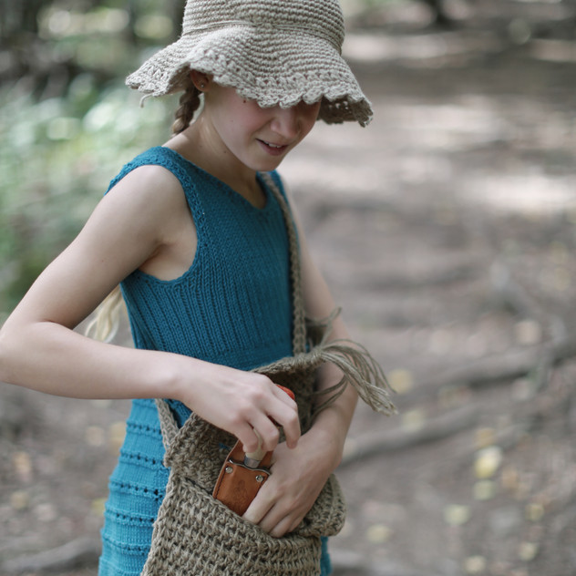 Hipster hat, tunic and handbag. Knit & crochet designs by Prinser & Prinsesser.