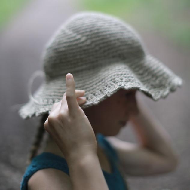Hemp hat for kids. Crochet pattern design.