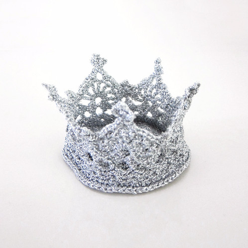 Hipster Hair Clip Crown Crochet Pattern English
