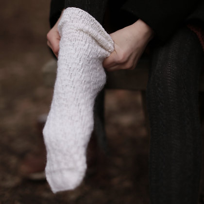 Knitting pattern for tube socks for kids. Quick and easy to make. No heel. Knit in circular knitting needles if you like.