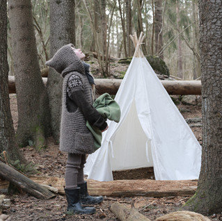 Knitted Hooded Vest for kids. Hipster style. (KNITTING PATTERN). Kids forest camp with teepee.