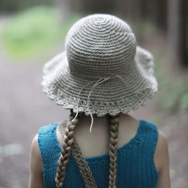 Hipster hemp hat for boys and girls. Crochet pattern design.
