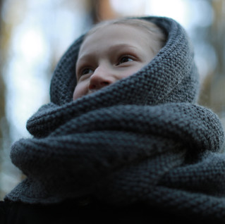 Knitted Triangle Wrap Scarf for kids. Hipster style. (KNITTING PATTERN)