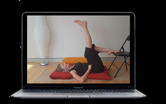 yoga mockup macbook air.png