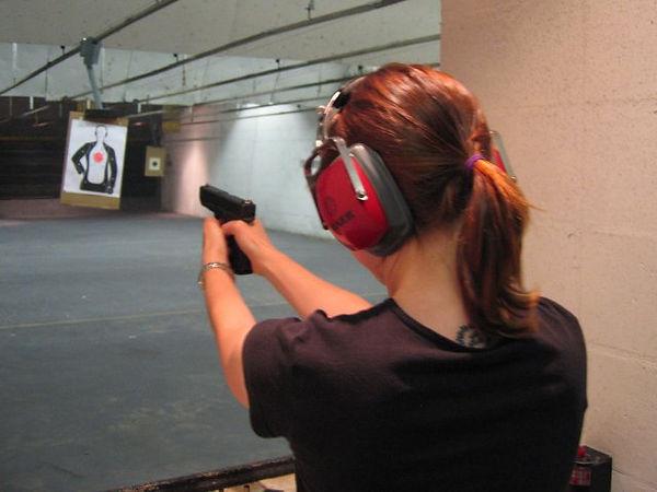 Shooting_range_Glock.jpg