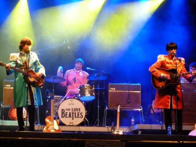 Fête_du_vin_2014,_dimanche_14.09.14,_cortège_et_les_Beatles_238