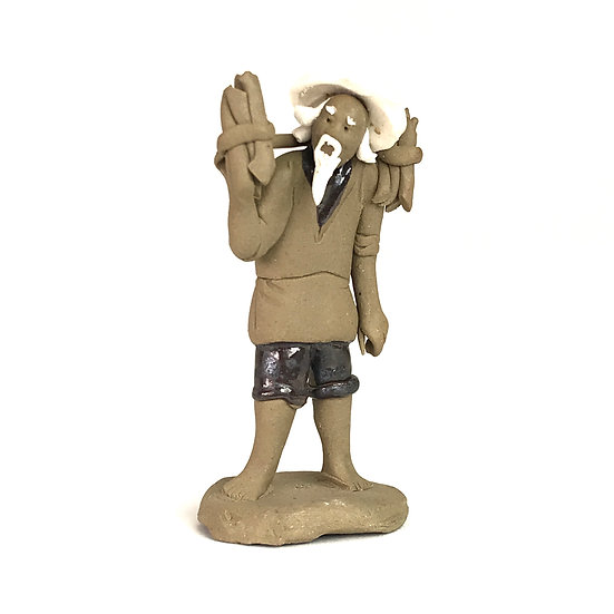 Porteur de 8 cm de hauteur Figurine en terre cuite