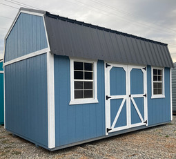 Side Lofted Barn with a Metal Roof, Pain